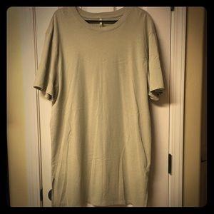 Men's XL Fear of God Essentials T-Shirt